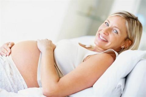 Tehotenstvo v zrelom veku. Je rizikové?