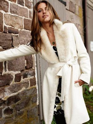 Ako byť sexi aj v zimnom období? Ukážte svoj šarm aj zababušení v kabáte!